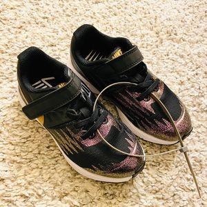 New Nike Star Runner Blackgold Sneakers